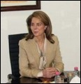 Queen Noor chairs annual meeting of Tamweelcom