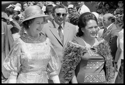 the Queen of New Zealand with the Maori Queen, 1974