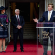 King Willem-Alexander gives a speech in Ottawa as Queen Maxima and the Canadian Governor-General look on; 27-05-2015