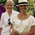 Crown Princess Mette-Marit and Crown Princess Victoria during their climate walk; 22-08-2015