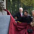 Princess Anne and Princess Astrid unveil the memorial to Edith Cavell in Uccle; 12-10-2015