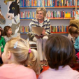 Princess Laurentien reads to children during her visit promoting reading; 27-01-2016