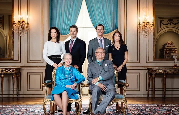 A new photo of the Danish Royals - via Kongehuset.dk/Steen Brogaard