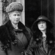 1923: Queen Mary and the Duchess of York