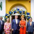 2018-07-01 22:01:20 WILLEMSTAD - Koning Willem-Alexander en koningin Maxima arriveren bij het paleis van Gouverneur van Curacao Lucille Andrea George-Wout tijdens een tweedaags bezoek van het koningspaar ter gelegenheid van Dia di Bander. ANP ROYAL IMAGES PATRICK VAN KATWIJK **NETHERLANDS ONLY**