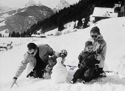 Click image for larger version  Name:1960-02-26 Schonried Switzerland.jpg Views:324 Size:60.9 KB ID:100414