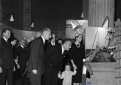 Click image for larger version  Name:1960-04-01 First public appearance.jpg Views:335 Size:61.0 KB ID:100415