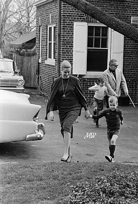 Click image for larger version  Name:1963-04-18 Philadelphia.jpg Views:411 Size:61.3 KB ID:100428