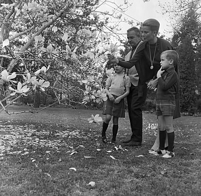 Click image for larger version  Name:1963-04-19 Philadelphia.jpg Views:384 Size:101.4 KB ID:100429