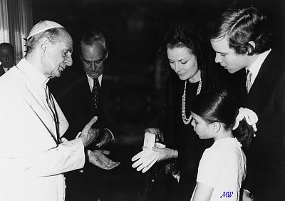 Click image for larger version  Name:1974-03-25 Pope Paul VI.jpg Views:349 Size:48.5 KB ID:100929