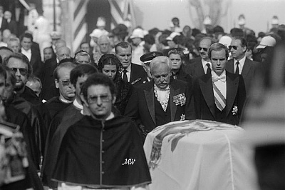Click image for larger version  Name:1982-09-18 Grace Funeral 03.jpg Views:315 Size:51.8 KB ID:100946