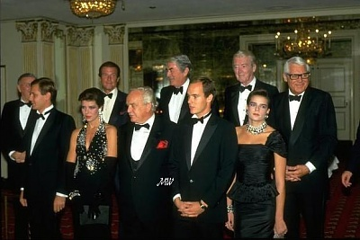 Click image for larger version  Name:1985-11-01 PG Foundation Gala in LA.jpg Views:403 Size:56.7 KB ID:101005
