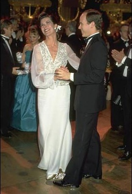Click image for larger version  Name:1989-03-11 Rose Ball.jpg Views:394 Size:38.0 KB ID:101096