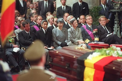 Click image for larger version  Name:1993-08-07 King Baudoin Funeral.jpg Views:364 Size:60.3 KB ID:101161