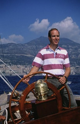 Click image for larger version  Name:1994-09-25 Yacht Show.jpg Views:302 Size:52.7 KB ID:101219