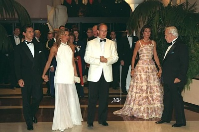 Click image for larger version  Name:1995-08-04 Red Cross Ball.jpg Views:347 Size:54.9 KB ID:101262