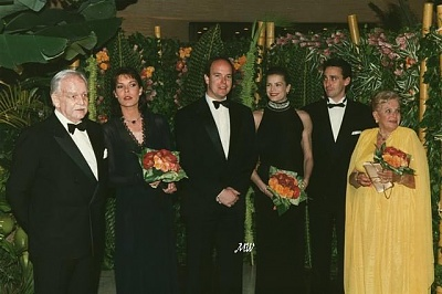 Click image for larger version  Name:1996-03-30 Rose Ball.jpg Views:298 Size:55.3 KB ID:101272