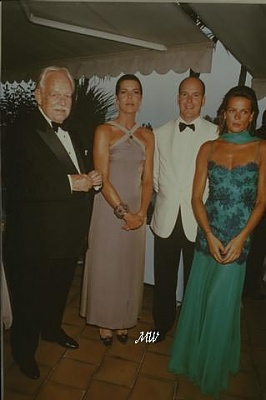 Click image for larger version  Name:1997-08-08 Red Cross Ball.jpg Views:263 Size:31.4 KB ID:101289