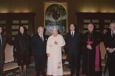 Click image for larger version  Name:1997-12-20 John Paul II.jpg Views:281 Size:44.7 KB ID:101292