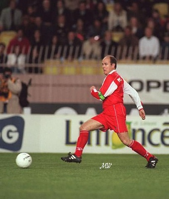 Click image for larger version  Name:1998-04-20 Albert football match.jpg Views:217 Size:40.5 KB ID:101294