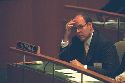 Click image for larger version  Name:1998-09-28 UN general assembly.jpg Views:291 Size:22.9 KB ID:101296