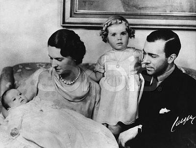 Click image for larger version  Name:Med Gustav Adolf, Margaretha & Birgitta 22 mars 1937.jpg Views:1109 Size:45.2 KB ID:105049