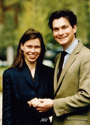 Click image for larger version  Name:1994-05-05 Sarah & Daniel 01 APL.jpg Views:2291 Size:59.9 KB ID:109387