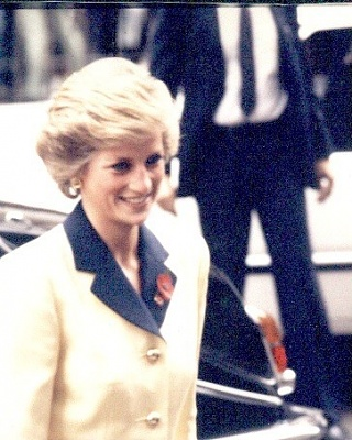 Click image for larger version  Name:Diana+in+Hong+Kong+1989.jpg Views:396 Size:61.9 KB ID:110266