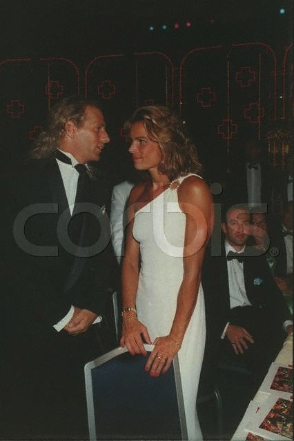 Click image for larger version  Name:michael bolton red cross 1996.jpg Views:166 Size:41.3 KB ID:110609