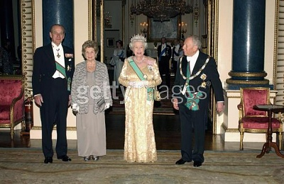 Click image for larger version  Name:State dinner 1.jpg Views:213 Size:46.7 KB ID:111049