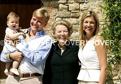 Click image for larger version  Name:FamilieOranje.jpg Views:170 Size:62.2 KB ID:111876