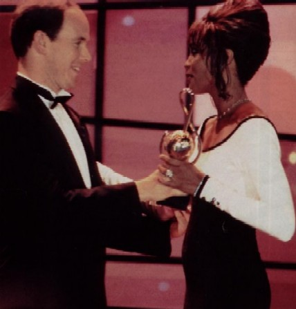 Click image for larger version  Name:whitneyhouston.jpg Views:124 Size:33.1 KB ID:112574