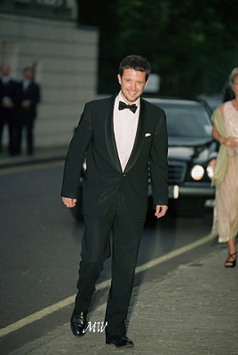 Click image for larger version  Name:1999-07-07 Gala 12 APL.jpg Views:1929 Size:90.4 KB ID:114207