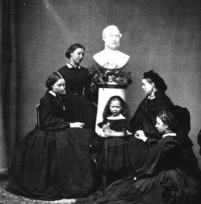 Click image for larger version  Name:Princesses Alice, Helena, Beatrice, Vicky and Louise with bust of Prince Albert.jpg Views:539 Size:61.6 KB ID:116049