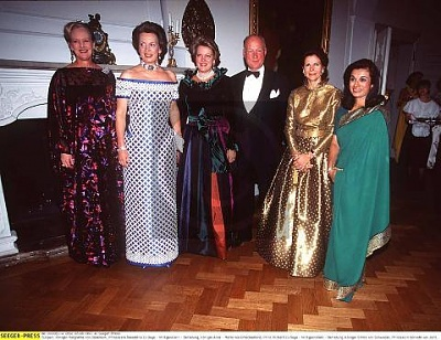 Click image for larger version  Name:Margrethe of Denmark, sisters Benedikte & Anne-Marie, Prince Richard, Silvia, Sarvath.jpg Views:1052 Size:40.9 KB ID:116394
