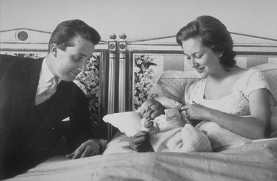 Click image for larger version  Name:Philippe newborn 01.jpg Views:507 Size:30.1 KB ID:117493