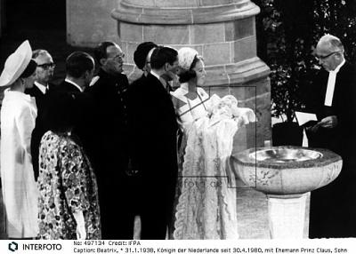 Click image for larger version  Name:Willem Alexander Baptism 03.jpg Views:286 Size:109.4 KB ID:117767
