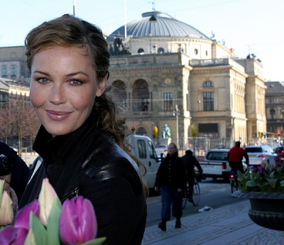 Click image for larger version  Name:Connie Nielsen4.jpg Views:272 Size:101.0 KB ID:118624
