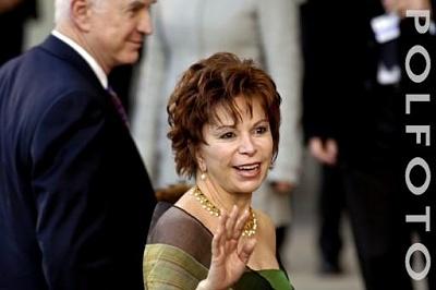 Click image for larger version  Name:Isabel Allende.jpg Views:332 Size:20.0 KB ID:118828