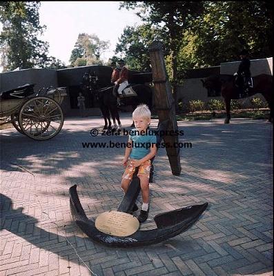 Click image for larger version  Name:1976___burgers_dierenpark__kleuter__Pieter_Christiaan.JPG Views:180 Size:60.5 KB ID:12158