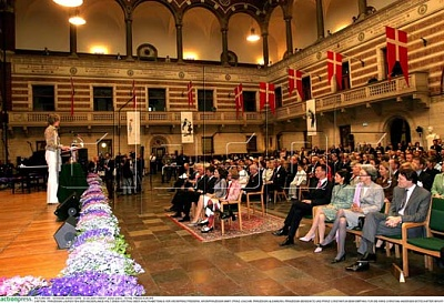 Click image for larger version  Name:AP-HCA-CITYHALL-AS01.jpg Views:296 Size:61.1 KB ID:122053