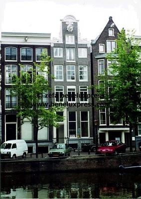 Click image for larger version  Name:marilene_van_den_broek__maurits__2001__amsterdam__huis__huis_maurits_en_marilene.JPG Views:189 Size:43.8 KB ID:12221