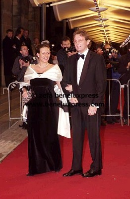 Click image for larger version  Name:2002_02_02___Amsterdam__Palaeis_op_de_dam__Annette__schwanger____Bernhard_jr_.jpg Views:281 Size:27.4 KB ID:12297
