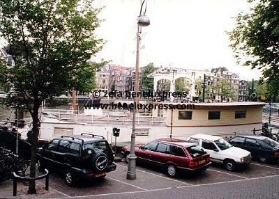 Click image for larger version  Name:2000__amstel__amsterdam__annette_sekreve__bernhard_jr.__woonboot.JPG Views:229 Size:55.2 KB ID:12303