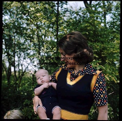 Click image for larger version  Name:1968___Margriet___Baby_Maurits.JPG Views:289 Size:59.5 KB ID:12344