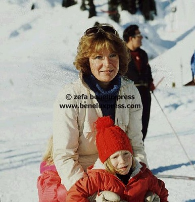 Click image for larger version  Name:1979__irene__margarita__ski__vakantie__wintersport.JPG Views:574 Size:36.3 KB ID:12386