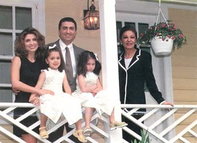 Click image for larger version  Name:family5.jpg Views:9810 Size:30.0 KB ID:125506