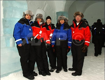 Click image for larger version  Name:icehotelfamily.JPG Views:189 Size:39.1 KB ID:126569