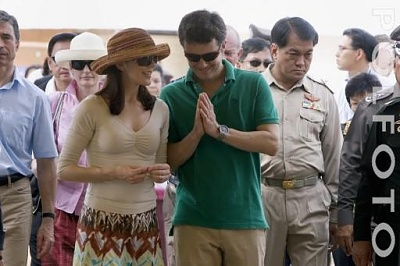 Click image for larger version  Name:CP couple visit Thailand 7.jpg Views:352 Size:29.5 KB ID:126585
