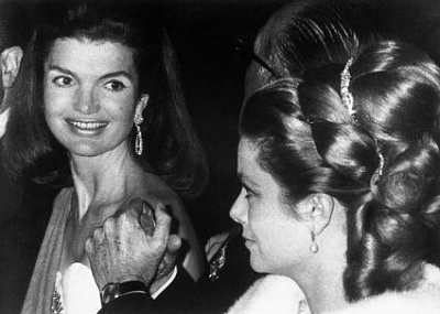 Click image for larger version  Name:Grace_Kelly_Jackie_Kennedy_1.jpg Views:202 Size:25.1 KB ID:131652
